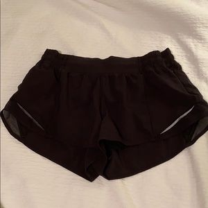 "lululemon black hotty hot shorts 2.5"" size 8"